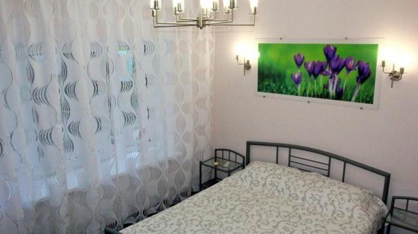 Аренда двухкомнатной квартиры в центре Ялты.