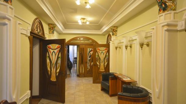 Аренда двухкомнатных апартаментов на набережной в Ялте
