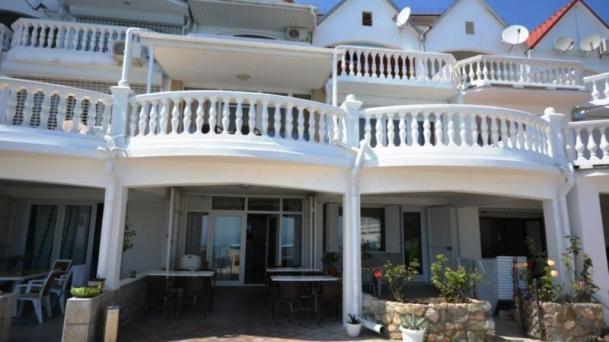 Апартаменты на эллинге у моря в Яхтклубе