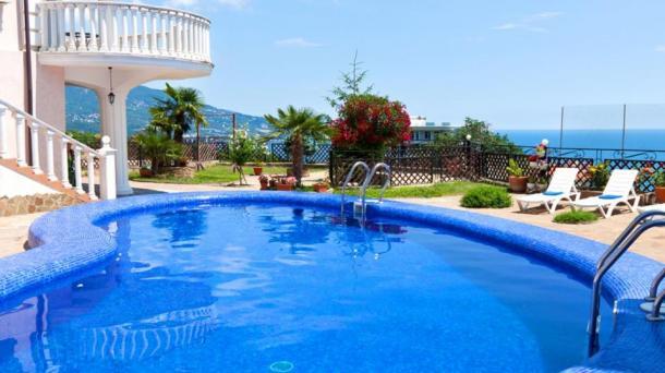 Аренда 2 комнатных апартаментов в Ливадии